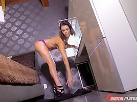 Danny mountain in delivery mix up digitalplayground...