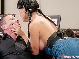 Mr pete in sex and confidence scene 2...