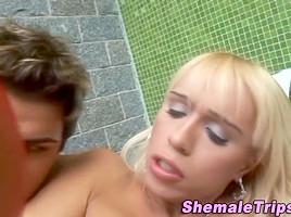 shemale N132...