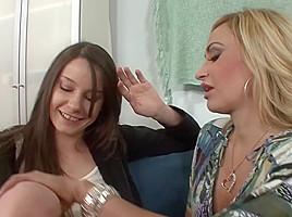 lesbian N131...