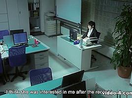Blowjob im Büro von zwei japanischen Hotties Yoshimi Saaya und Yui Hotano