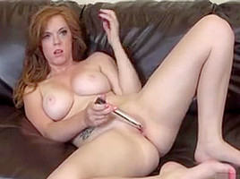 Bodacious fingers and toys her wet honey hole...