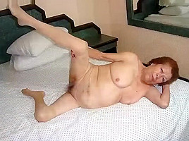 Hellogranny pictured being naked...