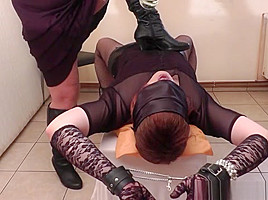 Mistress fills up slave with her pee...