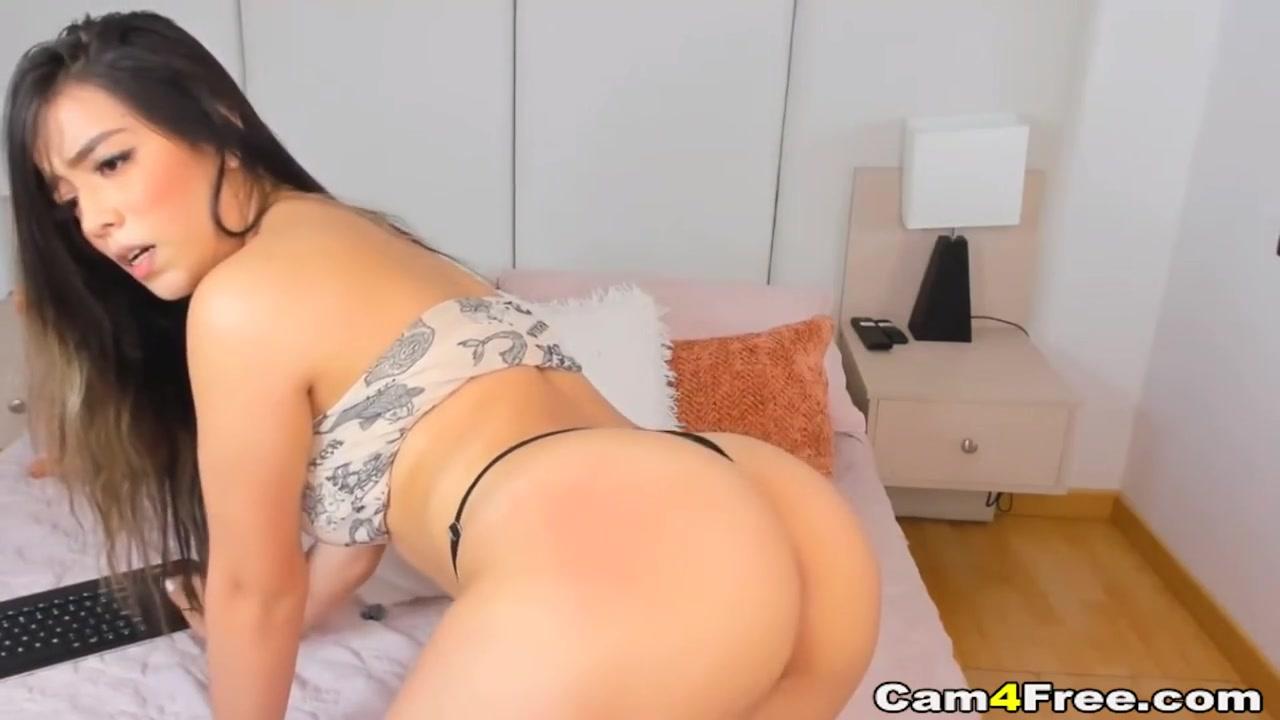 Horny Brunette Fucks Her Tight Pussy