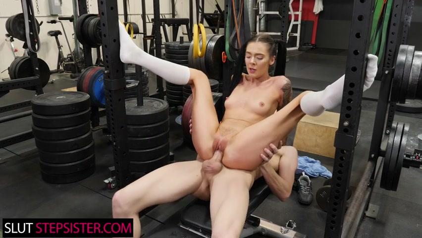 Marley Brinx pumps iron while riding her step bro's cock - slutstepsister