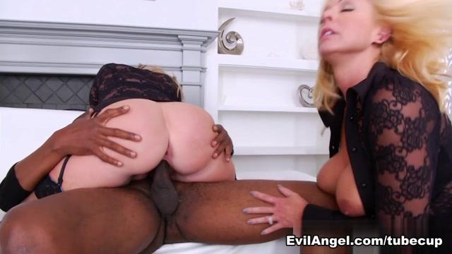 Dee Siren & Naughty Alysha & Sean Michaels in Anal Buffet #11 Video