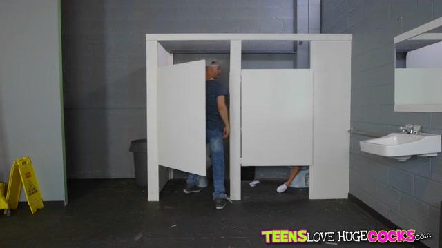Megan Rain & Chris Strokes in Roadtrip Gloryhole - TeensLoveHugeCocks