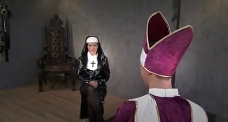 Domina nun facesitting the priest