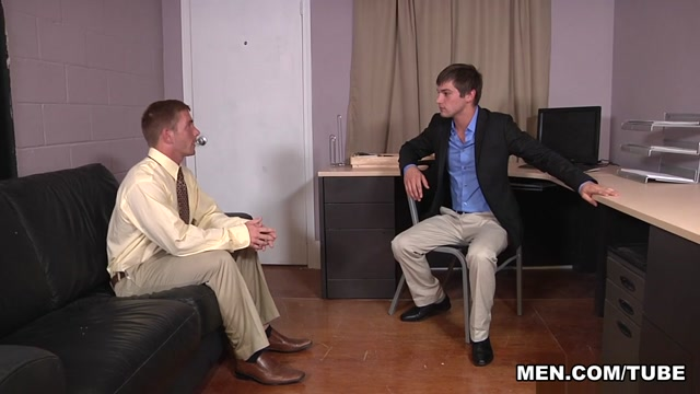 Johnny Rapid & Scott Riley in Recruiting Part 1 - Str8ToGay