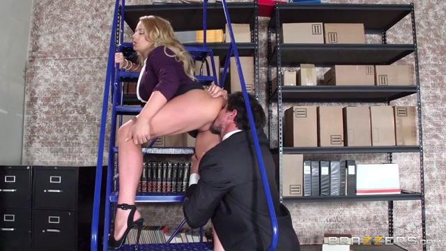 Corinna Blake & Tommy Gunn in The Corporate Ladder - Brazzers