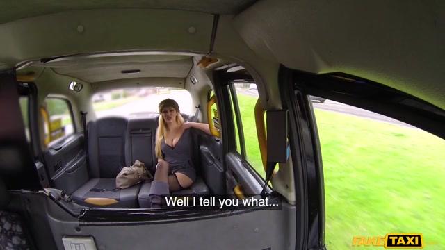 Amber Jayne & John in Busty Blonde Milf Fucks Taxi Cock - FakeTaxi