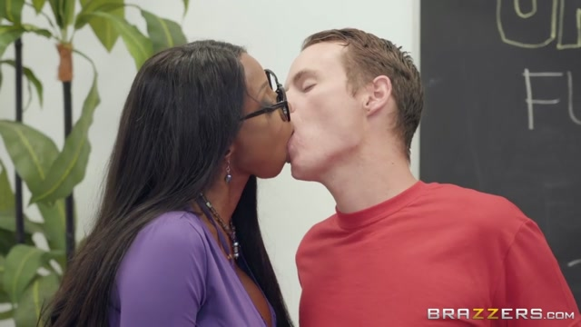 Diamond Jackson & Justin Hunt in BrazzersNetwork Porn School - BrazzersNetwork