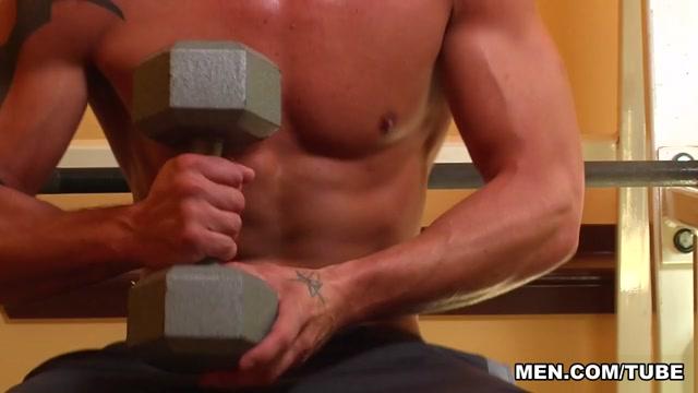 Darin Silvers & Johnny Rapid in Gym Stalker - Str8ToGay