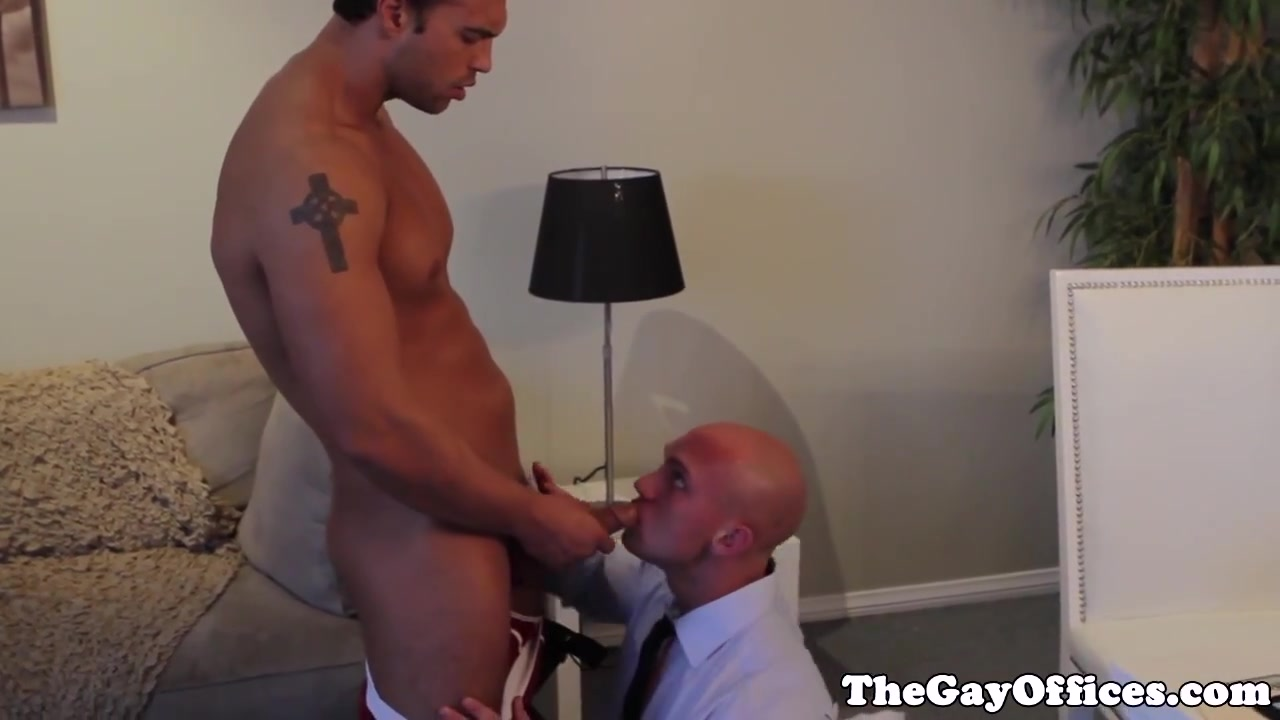 Rocco Reed assfucked in work office