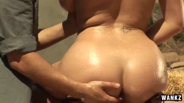 Gianna Michaels & Alec Knight in Alec Knight Tit Fucks Gianna Michaels Big Tits - BigTitsLikeBigDicks