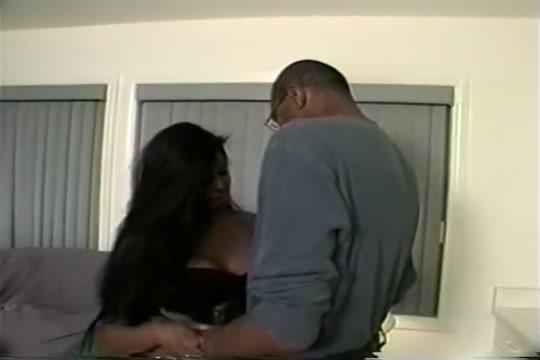 Serena Lewis Enjoys Beefy Dick
