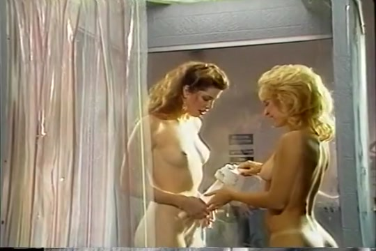 Nina Hartley's Pussy Licked In Shower