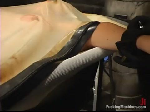 Christina Carter in Fuckingmachines Video