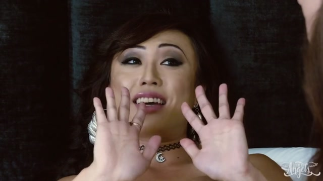 Cameron Canela & Venus Lux in Pussy for Breakfast - TransAngels