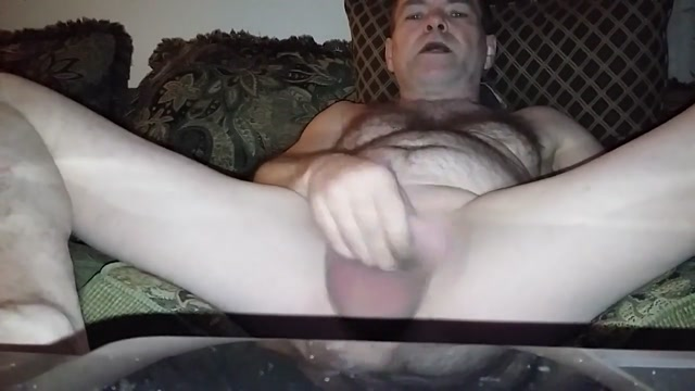 Mike Muters confirms being a masturbation addict on cam