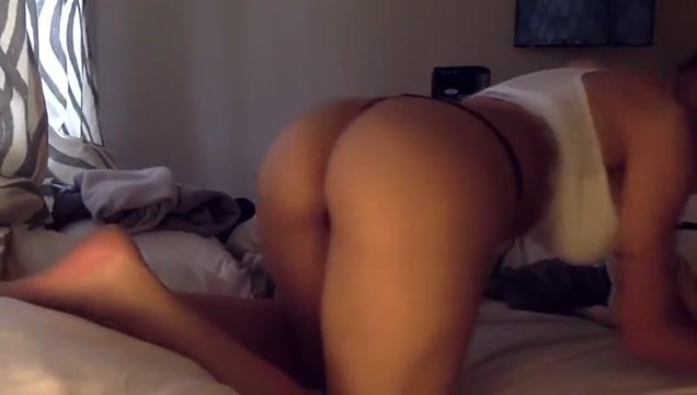 Mia Khalifa Twerking