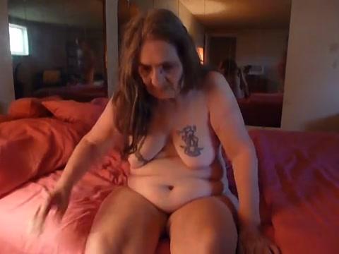 eat me fuck me make me cum and talk dirty to me !