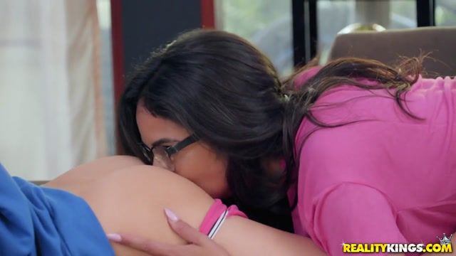 Darcie Dolce & Vienna Black in Two Player Grinding - WeLiveTogether