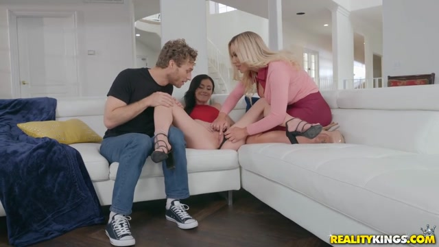 Olivia Austin & Rosalyn Sphinx & Michael Vegas in Learning From Stepmom - MomsBangTeens
