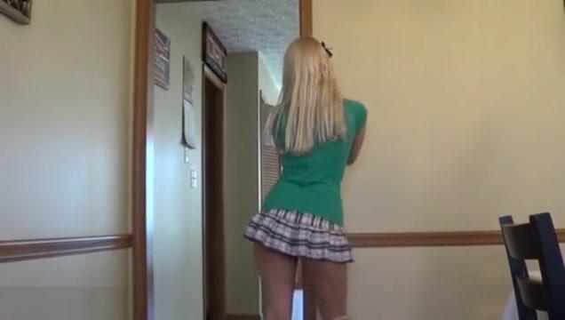 Alisa kiss stripping and dancing