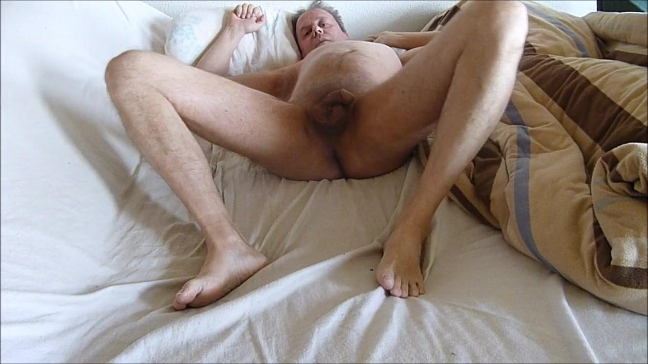 P80399 HD at1 nude boy wank public webcam naked sofa