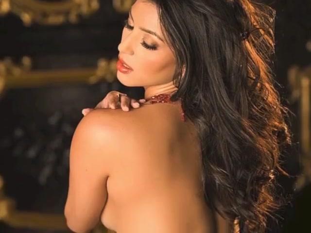 Kim Kardashian NUDE!
