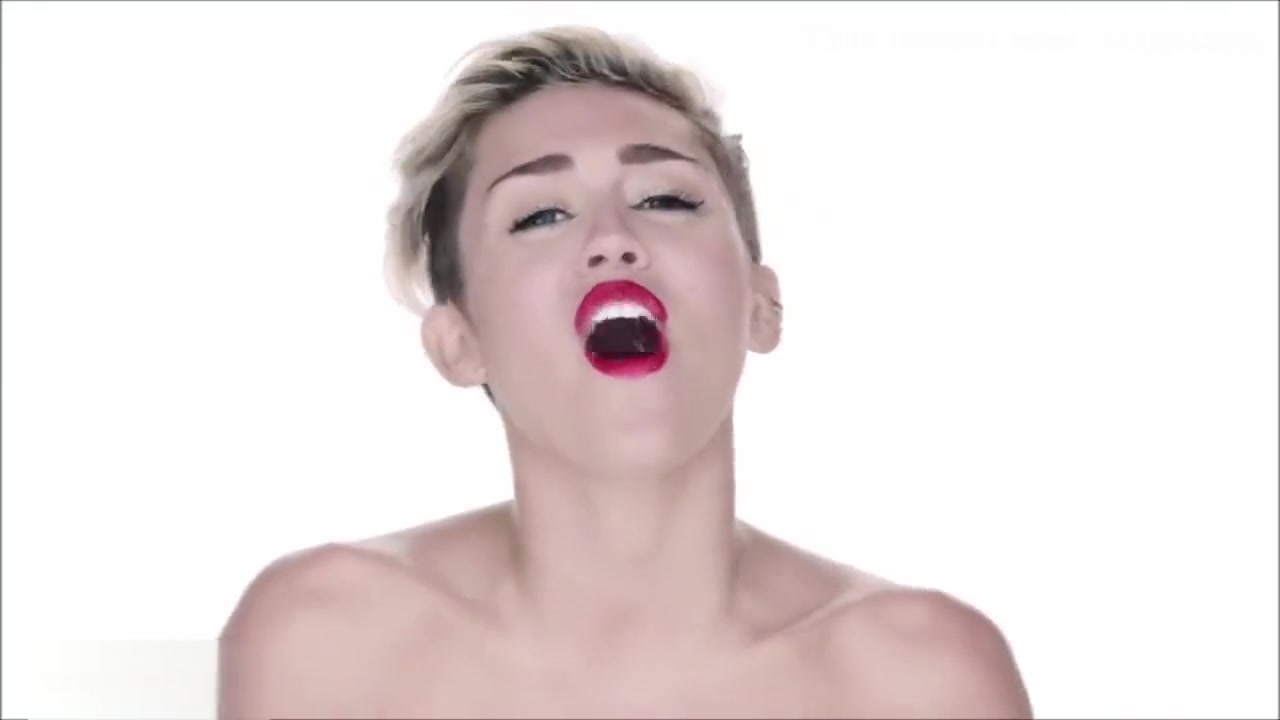 Miley Cyrus - Wrecking Ball (Nude Version)