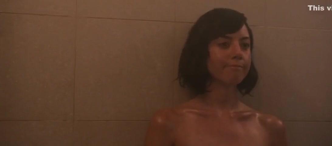Aubrey Plaza, Alice Wetterlund nude in Mike Dave Need Wedding Dates (2016)