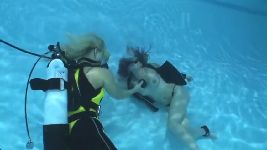 Breathplay underwater bondage Interests