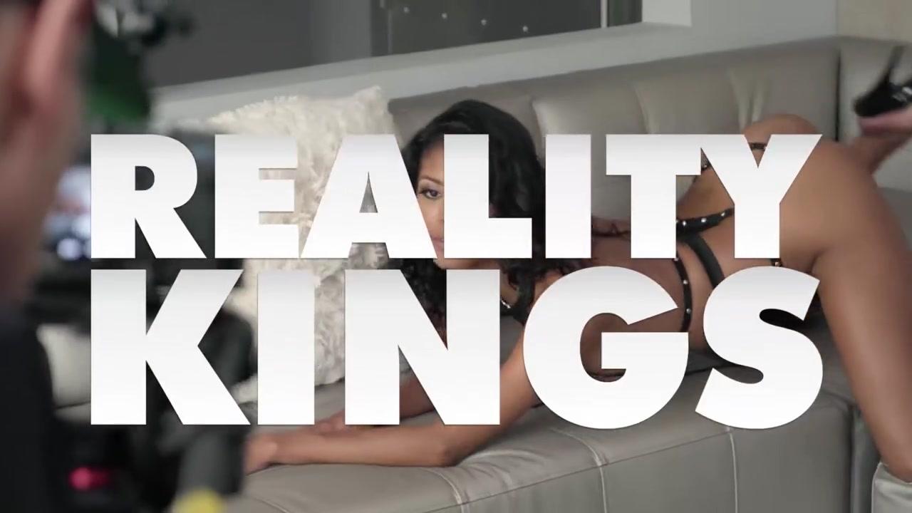 Reality Kings - Big Naturals - LaSirena69 Jake Adams - Massage With Tricks