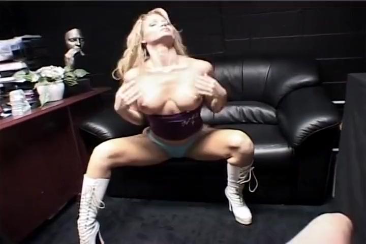 Hot Vixen Barett Moore Can Always Handle More - Cock!