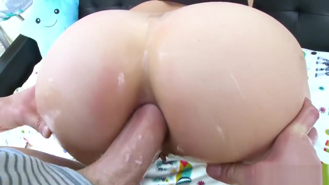TRUE ANAL Messy anal creampie for Maria Jade