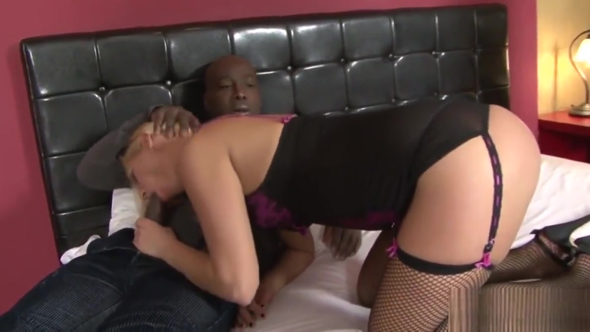 Cuck Helps Wife Linda Ray Take Anal BBC