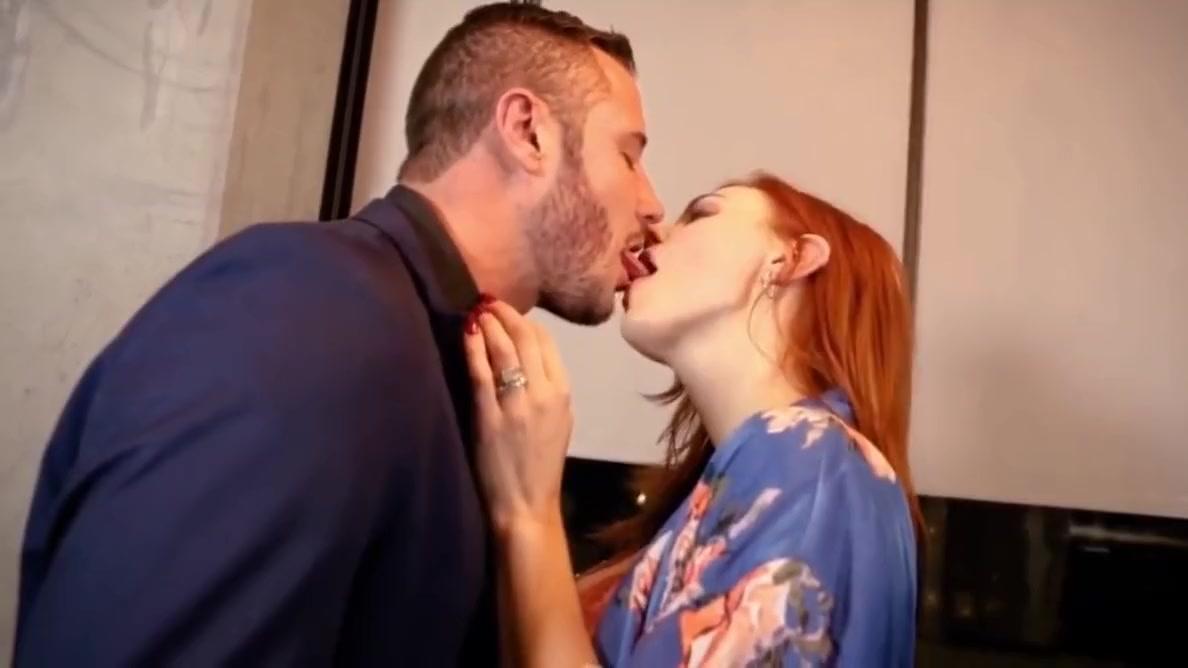 Big-tit IG Model Maitland Ward & Danny Mountain Sex-Tape
