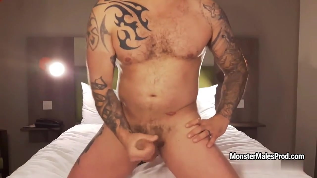 MonsterMales - Studs & Sneakers: Seth Strong 2