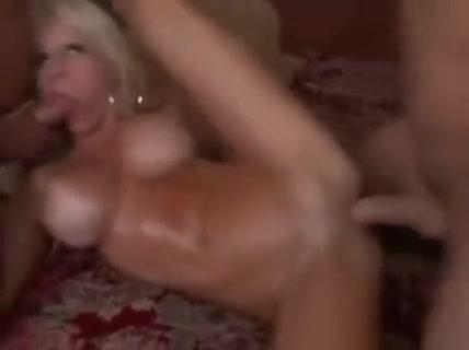 Super Hot MILF Danielle Derek 7