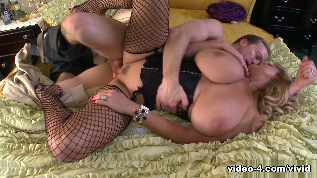 Kelly Madison in Fucking Private Ryan - Vivid