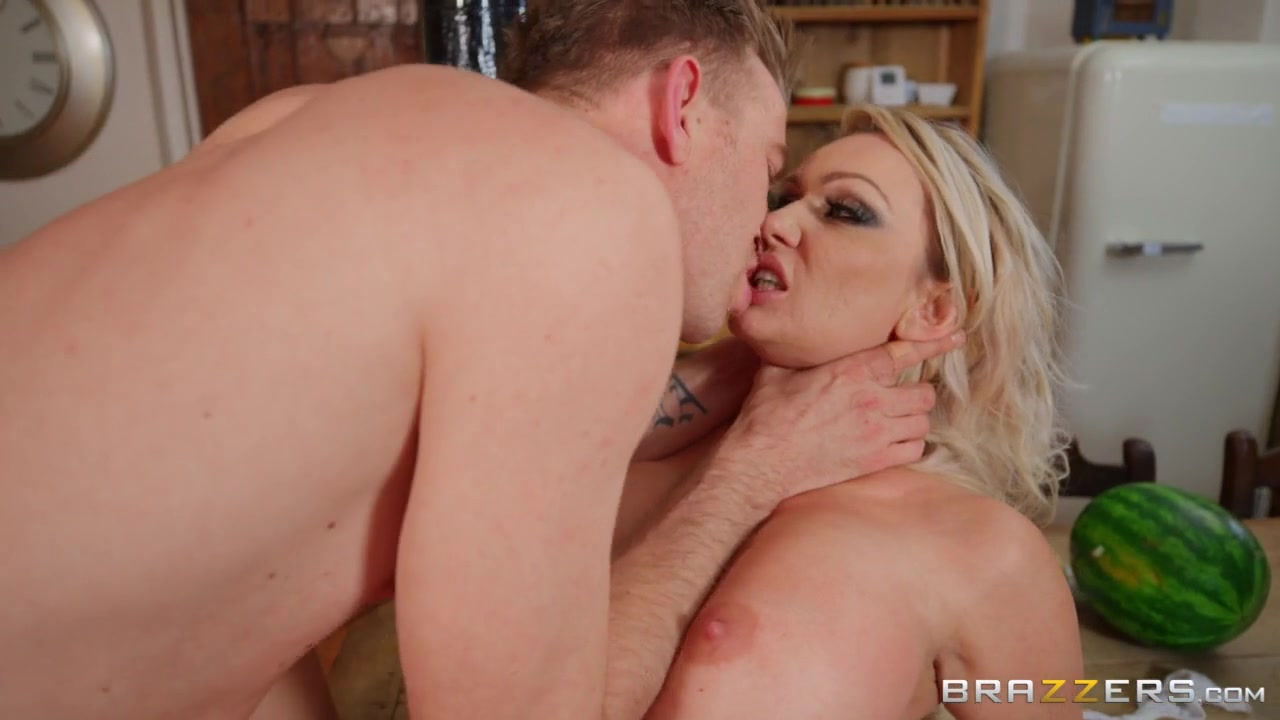 Amber Jayne & Danny D in New To Nudism - BRAZZERS
