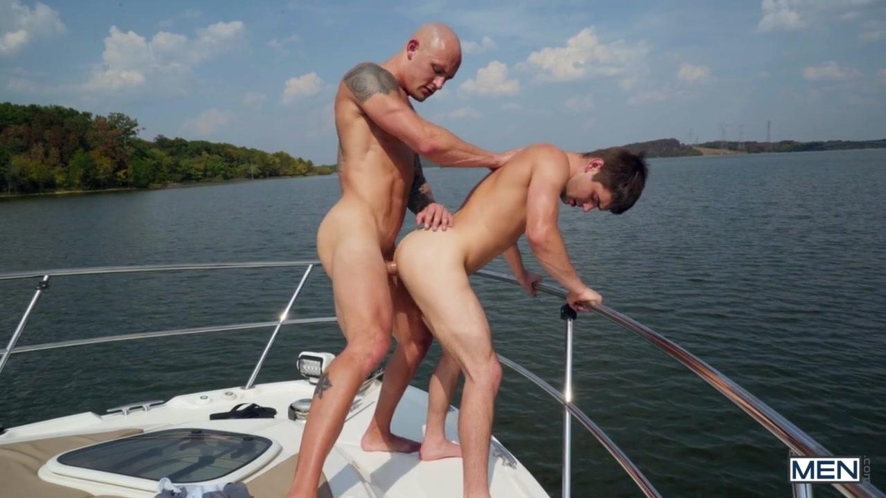 Johnny Rapid & Trevor Laster in Captain Rapid Part 1 - MenNetwork