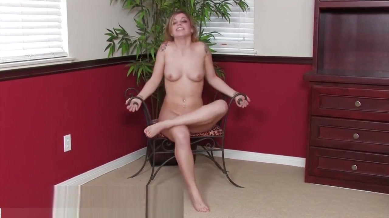 Sienna Milano interview and nude showoff