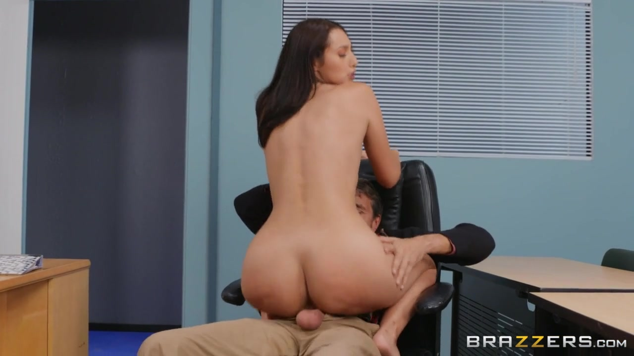 Old Man On Campus Free Video With Bella Rolland - BRAZZERS