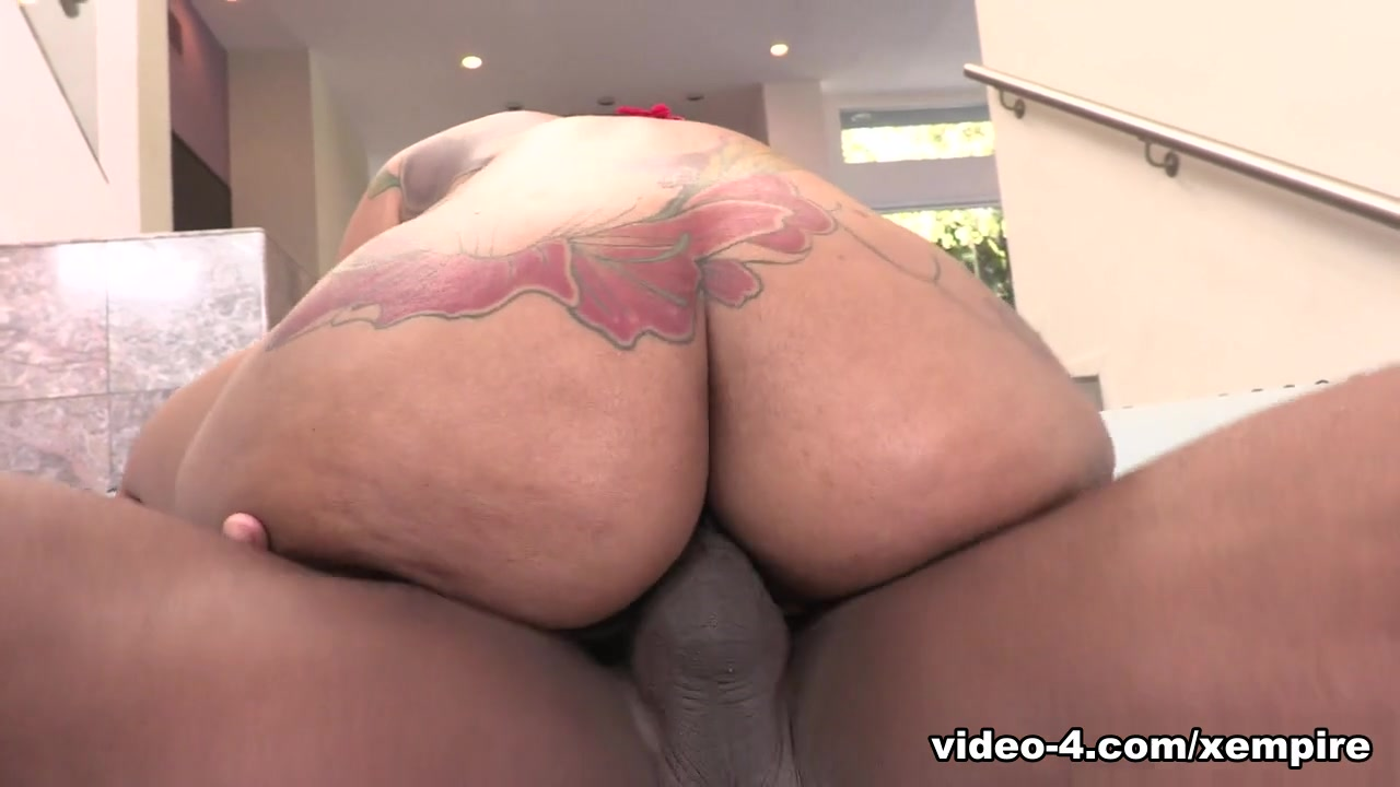 Halle Hayes & Prince Yahshua in Halle Hayes' 1st Anal - AllBlackX