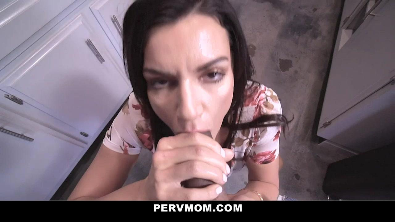 Becky Bandini in Stepmom Lingerie Lust - Pervmom