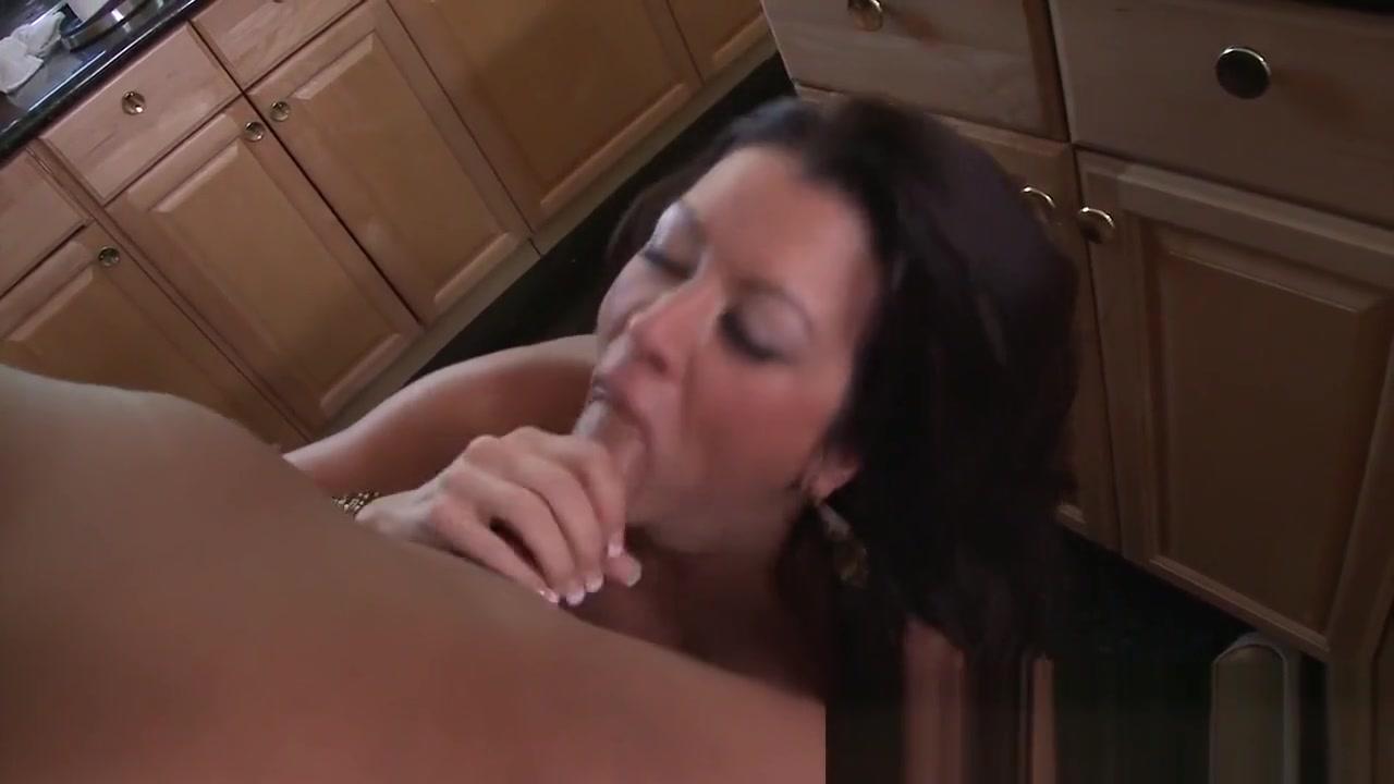 Raw Fucking Sex - Raquel Devine Offers Cake And Fuck